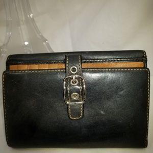 C8,717 Coach Leather Wallet Black